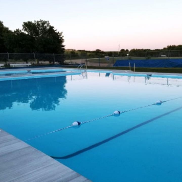 Dunnett Regional Park Swimming Pool